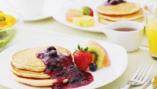 Τι τρώνε οι διατροφολόγοι το πρωί; 5 ειδικοί μοιράζονται μαζί μας το πρωινό