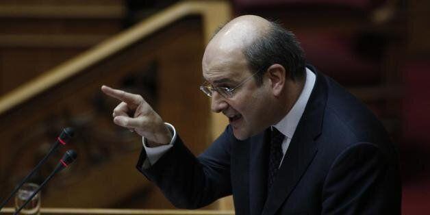 Χατζηδάκης: Ας προχωρήσει με 153 βουλευτές ο