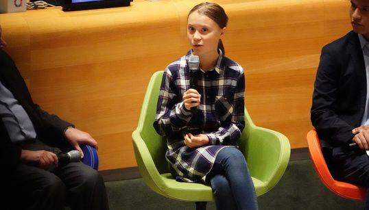 """""""NOI INARRESTABILI"""" - Greta Thunberg all'Onu. A Parigi violenze black bloc durante la marcia per il clima"""