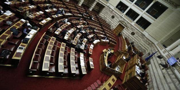 Βουλή: Υπερψηφίστηκε με 165 ψήφους υπέρ, 86 κατά και 19 παρών η τροπολογία για το
