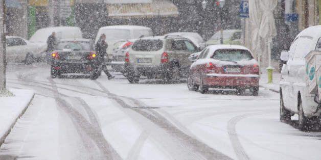 Προβλήματα από την κακοκαιρία: Χιόνια και βροχοπτώσεις σε ολόκληρη την