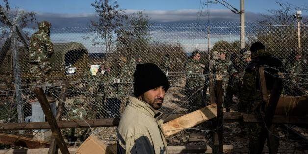 FT: Σενάρια της απομόνωσης της Ελλάδος ή εξόδου από τη ζώνη