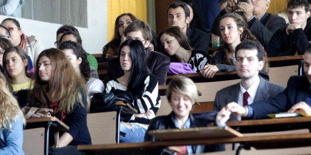 Διπλή εξεταστική για τους επί πτυχίω φοιτητές, με ΠΝΠ του υπουργείου
