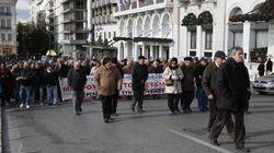 Παναττικό συλλαλητήριο συνταξιούχων στην πλατεία Κοτζιά. Τι ζήτησαν από τον υφυπουργό