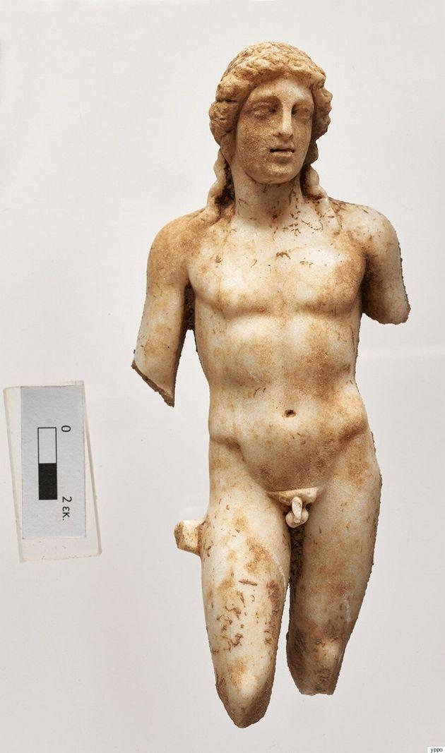 Δύο μοναδικά αγάλματα του Απόλλωνα και της Αρτέμιδος βρέθηκαν κοντά στα
