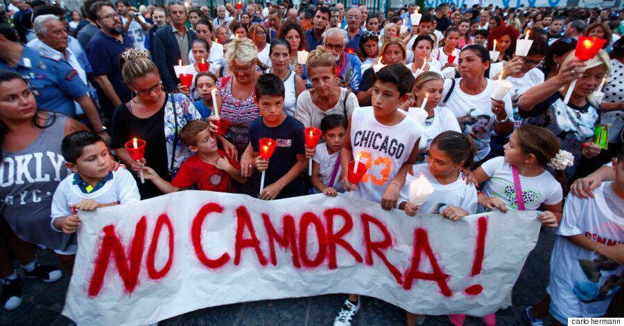 Καμόρα: Η μυστική εταιρεία που εκβιάζει την Νάπολη μέσα από το φακό του Carlo