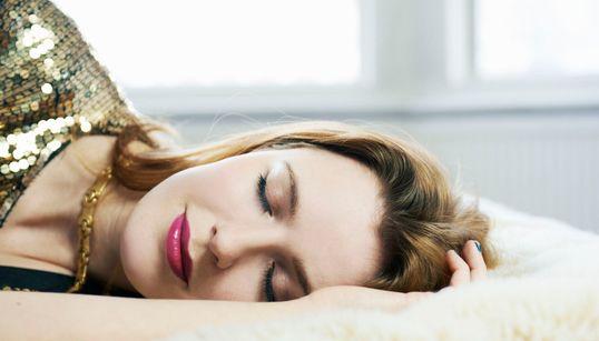 10 τρόποι για να ξεπεράσετε το hangover της