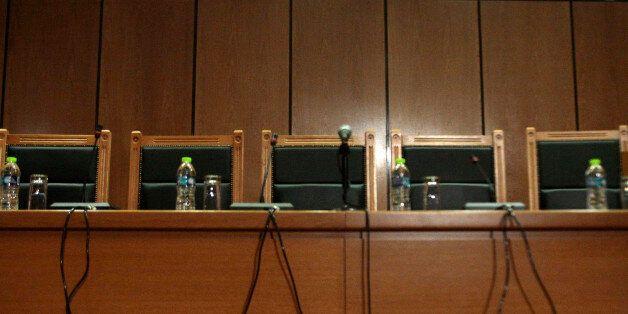 Επιφυλάξεις της Ένωσης Εισαγγελέων για την τροπολογία που νομιμοποιεί τις λίστες