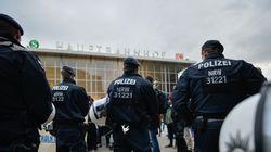 Επιθέσεις κατά μεταναστών στην Κολωνία. Κλιμακώνονται οι αντιδράσεις για τις σεξουαλικές επιθέσεις της