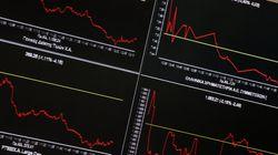 «Πυρετός» στις αγορές: Μεγάλες απώλειες στα χρηματιστήρια – Τι επισημαίνουν στην HuffPost Greece οικονομικοί