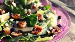 Σαλάτα με ξερά σύκα, αχλάδι και σκοτύρι