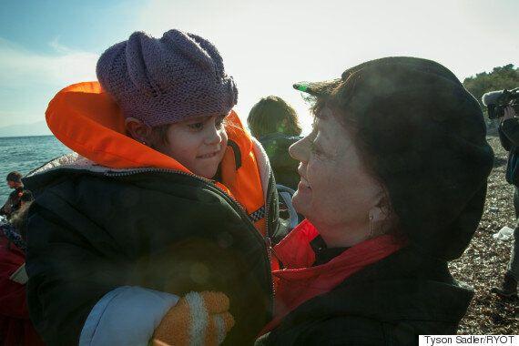Η Σούζαν Σάραντον γράφει από τη Μυτιλήνη για την HuffPost: «Αυτοί οι άνθρωποι» είναι ακριβώς σαν κι εμάς....