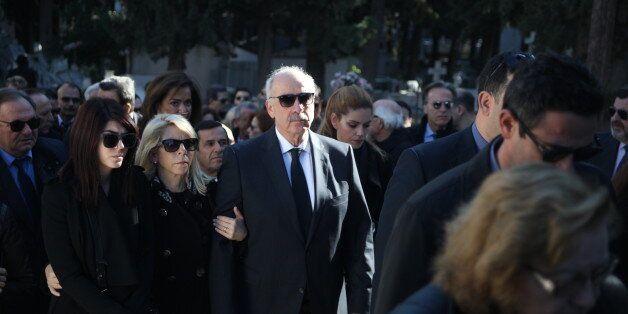Σε κλίμα οδύνης και συγκίνησης η κηδεία της Βάσως