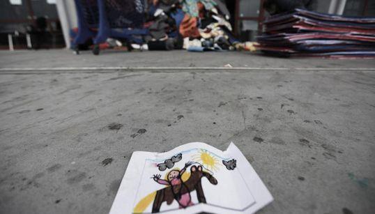 Η προετοιμασία του Ολυμπιακού Γηπέδου Χόκεϊ στο Ελληνικό για τη φιλοξενία μεταναστών και