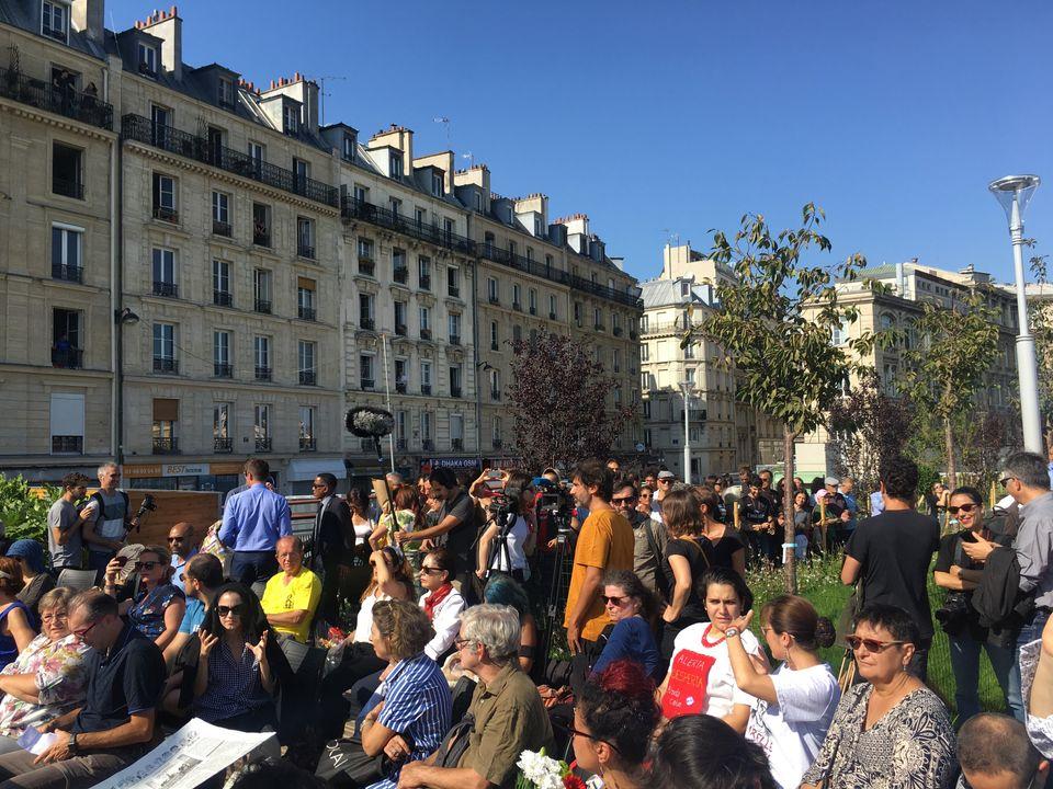 O jardim Marielle Franco foi construído no 10º distrito de Paris, sobre as plataformas da...