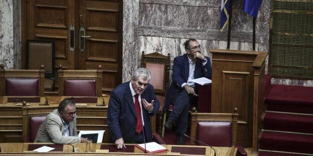 Παπαγελόπουλος: Ο Καραμανλής είναι η χρυσή εφεδρεία της χώρας. Μαζί με Παυλόπουλο και Τσίπρα αποτελούν...