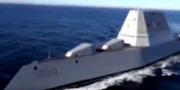 Ο «καταστροφέας» των ναυτικού των ΗΠΑ: Το αντιτορπιλικό που μπορεί να πλήξει στόχους σε απόσταση 100...