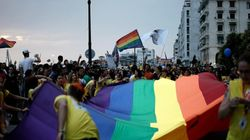 Κατατέθηκε στη Βουλή το νομοσχέδιο που προβλέπει επέκταση του συμφώνου συμβίωσης στα ομόφυλα