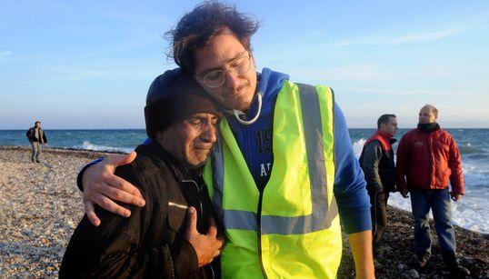 Η φωτογράφος Μάρω Κουρή ακολούθησε τρεις πρόσφυγες από τη Μυτιλήνη έως τη