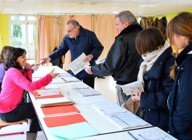 Πρωτιά Λεπέν σε 6 από τις 13 περιφέρειες της Γαλλίας - Δεύτερος ο
