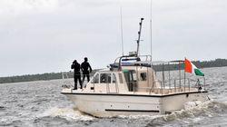 Ένοπλοι πειρατές κρατούν ομήρους σε φορτηγό πλοίο στα νερά της