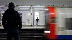 Άνδρας μαχαίρωσε τρεις ανθρώπους στο μετρό του Λονδίνου φωνάζοντας: «Αυτό είναι για την