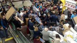 Ήρθε το τέλος: Βίντεο καταγράφει τον απόλυτο χαμό που επικράτησε στα καταστήματα κατά την Black