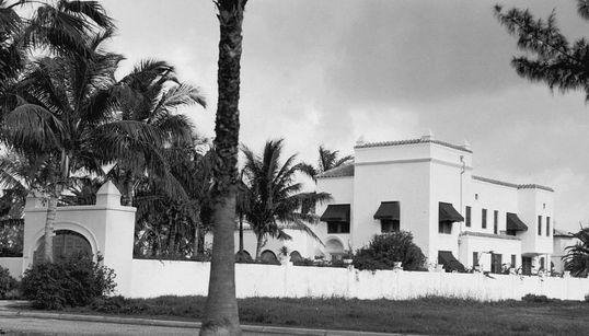 Ο παράδεισος ενός γκάνγκστερ: Το αρχοντικό του Αλ Καπόνε στο Μαϊάμι όπου συντόνισε τη σφαγή του Αγίου