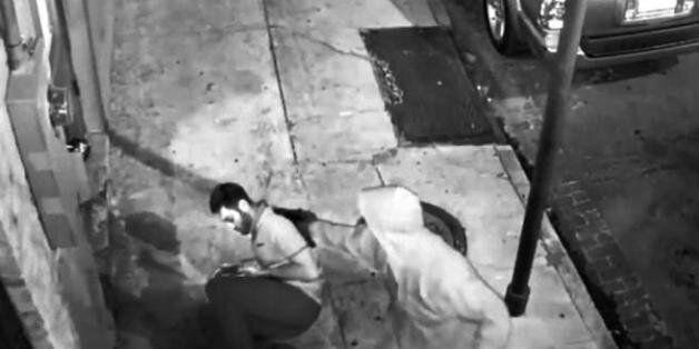 Φοιτητής στην Νέα Ορλεάνη έσωσε γυναίκα από τα χέρια κουκουλοφόρου. Γλίτωσε τον θάνατο όταν μπλόκαρε...