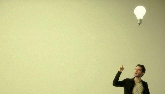 George Zisiadis: Ο Θεσσαλονικιός καλλιτέχνης που έγινε ο «Πιο Ευτυχισμένος Τύπος στο Σαν