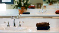 10 πράγματα που πρέπει να πετάξετε άμεσα από το μπάνιο