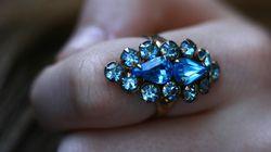 Πως να βγάλετε ένα δαχτυλίδι που σφήνωσε στο δάχτυλό σας και ακόμα 4 χρήσιμα