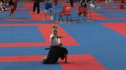 Η 9χρονη νίντζα με τις ξανθιές κοτσίδες που έκανε το διαδίκτυο να