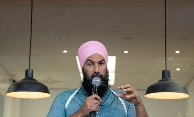 Le chef du NDP Jagmeet Singh parle lors d'un arrêt à Toronto, le samedi 21 septembre