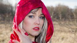 Η ερωτική έκδοση της Κοκκινοσκουφίτσας στάλθηκε κατά λάθος σε εκατοντάδες δημοτικά