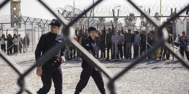 Οι πρώτες απελάσεις μεταναστών επί κυβέρνησης