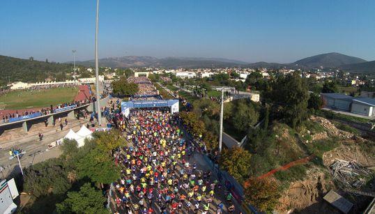 Δεκάδες χιλιάδες πολίτες έτρεξαν στον Μαραθώνιο της