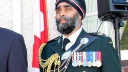 Κομάντο και ντετέκτιβ: Ο Χάρτζιτ Σατζάν, νέος υπουργός Άμυνας του Καναδά, είναι βετεράνος στρατιωτικός και