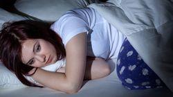Αυτό το κόλπο θα σας βοηθήσει να σταματήσετε να στριφογυρίζετε στο κρεβάτι σας από την