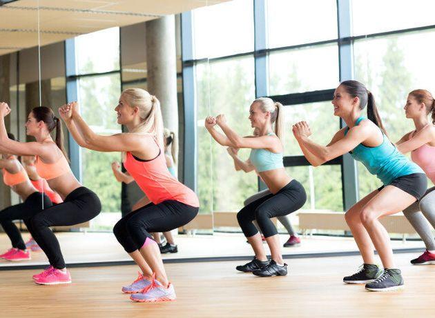 5 απλές καθημερινές ασκήσεις για να μείνετε σε