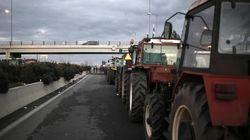 Στην Αθήνα οι αγρότες για συνάντηση με Αλεξιάδη, ενώ ζεσταίνουν τις μηχανές των