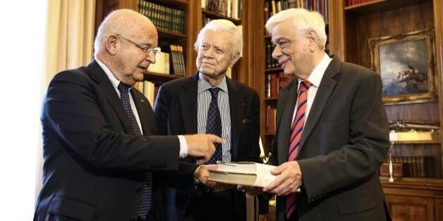Ο Προκόπης Παυλόπουλος καλεί για την επιστροφή των Γλυπτών του
