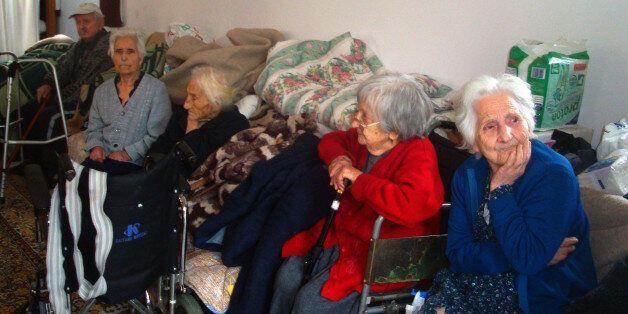 Κίνδυνος να μείνουν στο δρόμο για 10.0000 ηλικιωμένους που μένουν στα γηροκομεία από την αύξηση του