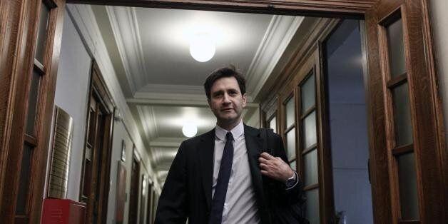 Χουλιαράκης: Ηπιότερη η ύφεση το 2015 και το 2016. Πιθανή άρση των capital controls το β' τρίμηνο του...
