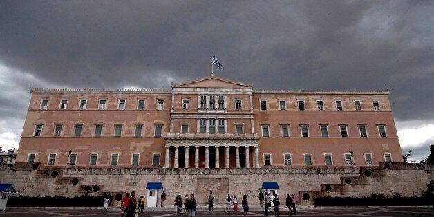 Κατατίθεται το νομοσχέδιο για την ανακεφαλαιοποίηση των τραπεζών - Προσδοκίες για εκταμίευση των 2 δισ...