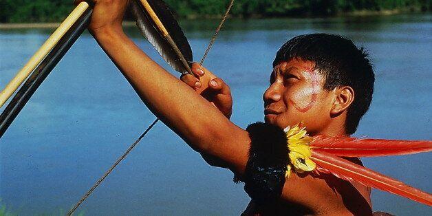 (GERMANY OUT) T.F. Amazonas / Mavaca: Yanomami mitPfeil und Bogen- o.J. (Photo by Kanus/ullstein bild...