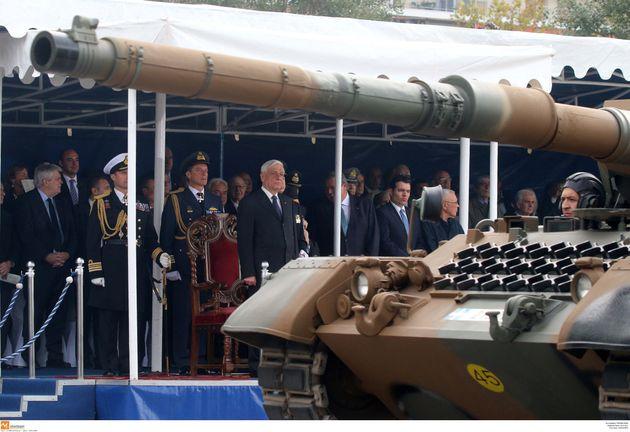 Κλίμα συγκίνησης και ενότητας στην στρατιωτική παρέλαση της Θεσσαλονίκης - Έλειψαν φέτος τα