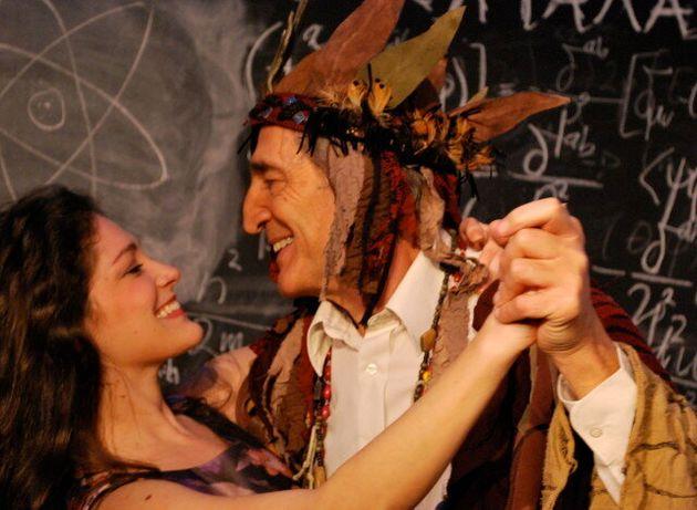 QED: Ο Γιώργος Κοτανίδης ανεβάζει μία από τις πιο επιτυχημένες παραστάσεις των τελευταίων 10
