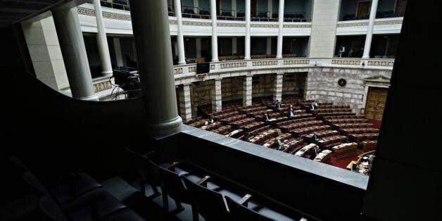 Ξεκινά η συζήτηση στη Βουλή επί του νομοσχεδίου για την ανακεφαλαιοποίηση των τραπεζών. Το Σάββατο η