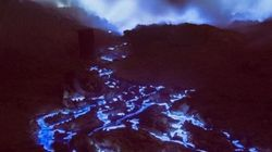 Μυστήριο γύρω από το απόκοσμο ηφαίστειο που εκτοξεύει μπλε